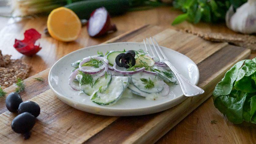 recette de salade au concombre turque