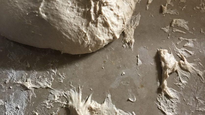 Etape 2 pétrissage de la pâte à pain