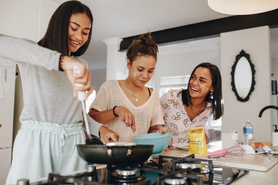 Réaliser une recette avec des légumes, du fromage ou des céréales jamais testés